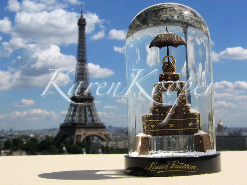 Louis Vuitton Anniversary Snow Globe Paris, 101 Avenue des Champs-Elysees